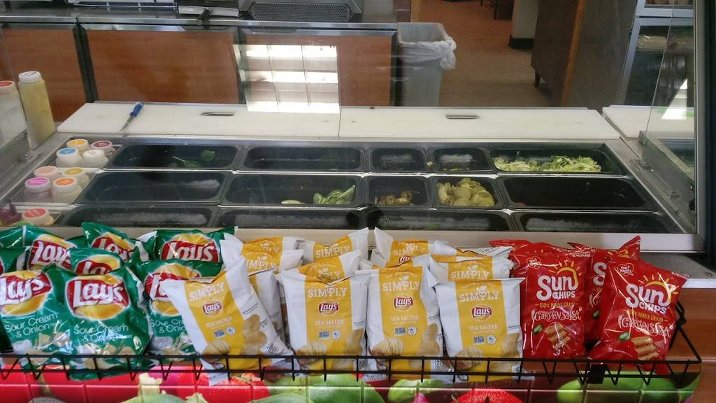 Subway - meal takeaway  | Photo 5 of 10 | Address: 668 Harding Blvd, Baton Rouge, LA 70807, USA | Phone: (225) 775-7827