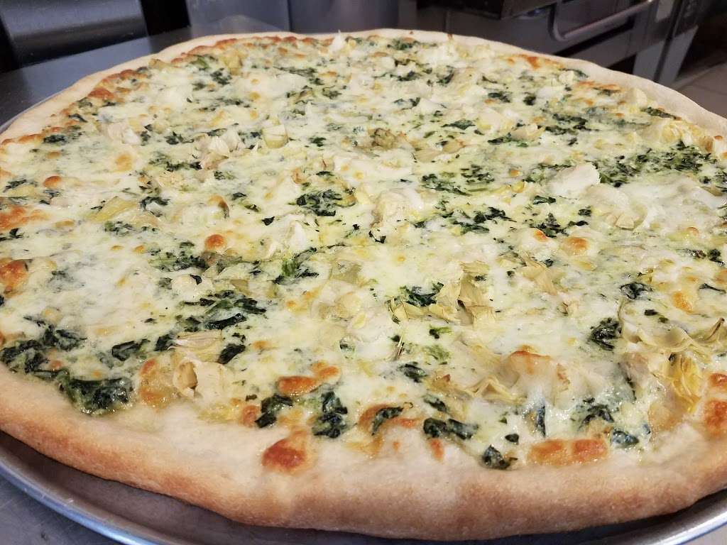 Hi-Class Pizza - restaurant  | Photo 4 of 10 | Address: 246-11 Jericho Turnpike, Queens, NY 11426, USA | Phone: (718) 347-1696
