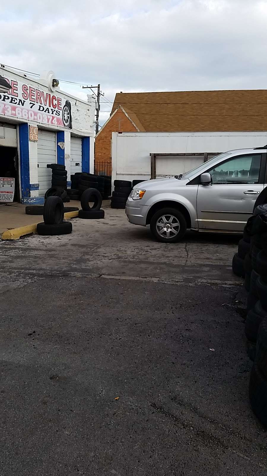 Babys DO Tire Shop - car repair  | Photo 2 of 6 | Address: 336 W 119th St, Chicago, IL 60628, USA | Phone: (773) 660-0374
