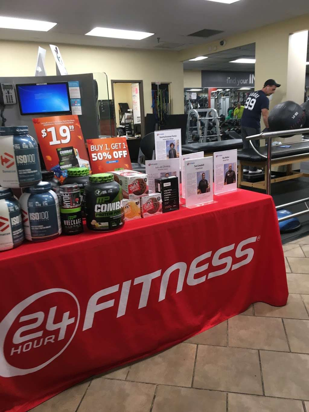 24 Hour Fitness - gym  | Photo 6 of 10 | Address: 589 Tuckahoe Rd, Yonkers, NY 10710, USA | Phone: (914) 793-3100