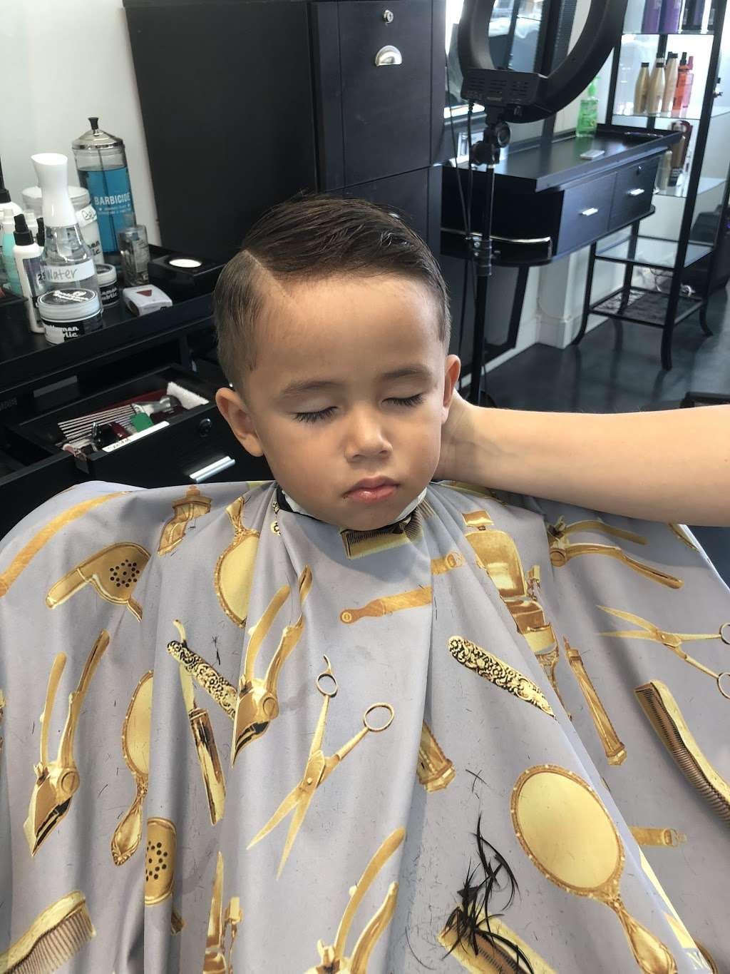 Studio G beauty salon & Barber shop - hair care  | Photo 9 of 10 | Address: 941 N Michillinda Ave, Pasadena, CA 91107, USA | Phone: (626) 510-6366