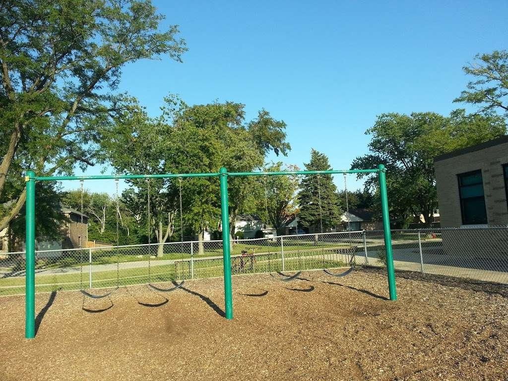 Iroquois Community School - school  | Photo 1 of 8 | Address: 1836 E Touhy Ave, Des Plaines, IL 60018, USA | Phone: (847) 824-1308