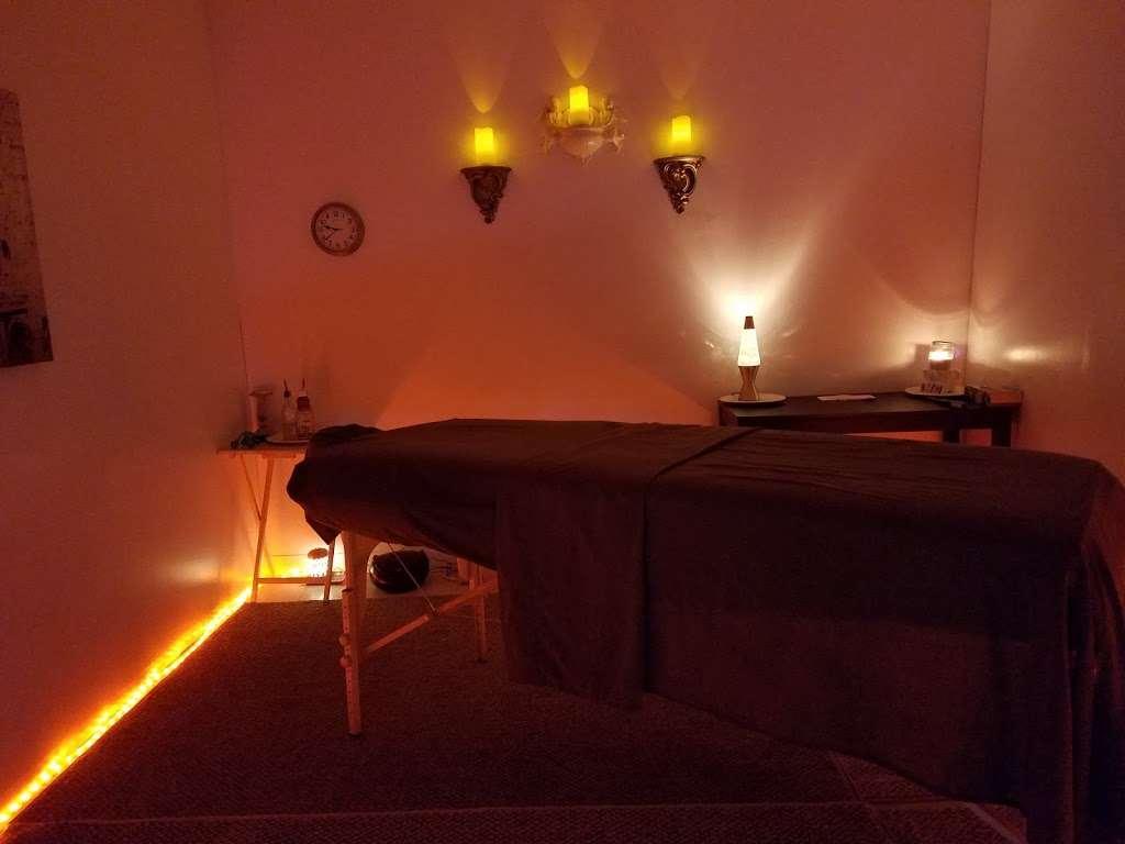 Models Massage - spa    Photo 3 of 10   Address: 7409 Shadeland Ave, Indianapolis, IN 46250, USA   Phone: (317) 362-2850