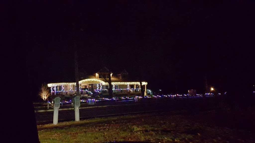 Christmas lights Drive Through - campground  | Photo 10 of 10 | Address: 2263 Vermont Ave, Toms River, NJ 08755, USA