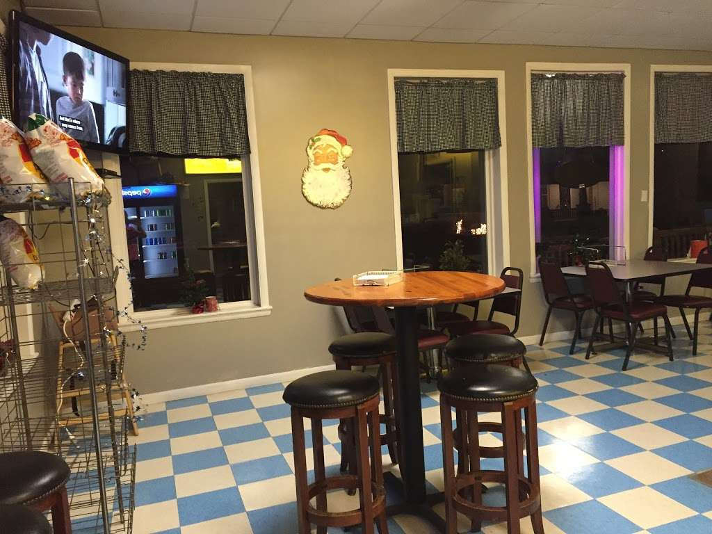 East End Pizzeria - restaurant  | Photo 2 of 10 | Address: 407 Walnut St, Berwick, PA 18603, USA | Phone: (570) 759-1883