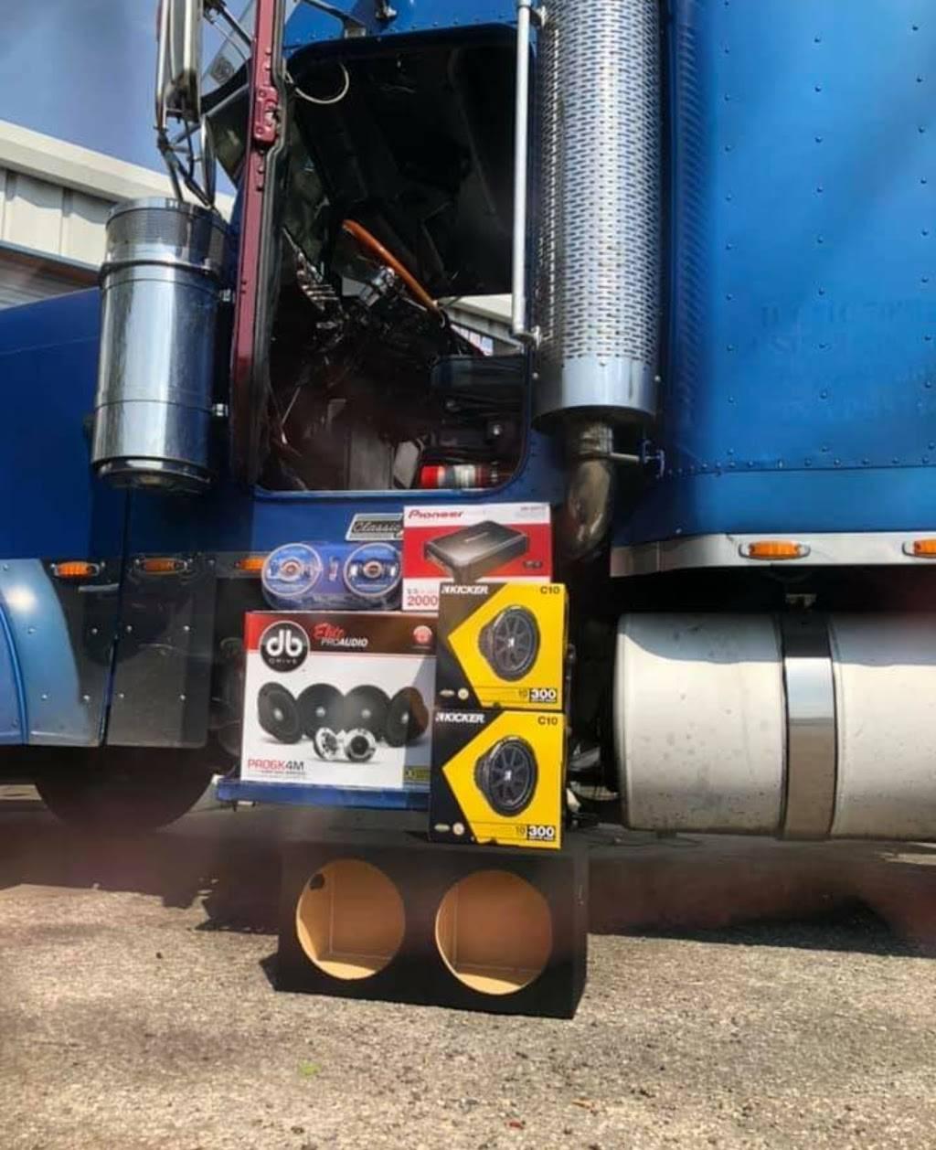 Flow Customs - electronics store  | Photo 1 of 6 | Address: 6030 Causeway Blvd, Tampa, FL 33619, USA | Phone: (813) 203-5974