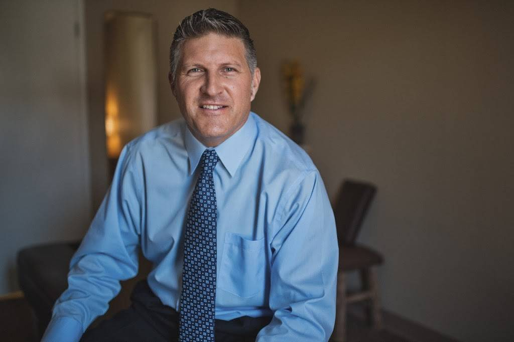 Dr. Marc Siemens D.C. - health  | Photo 3 of 4 | Address: 2410 Fair Oaks Blvd Suite 160, Sacramento, CA 95825, USA | Phone: (916) 487-5555