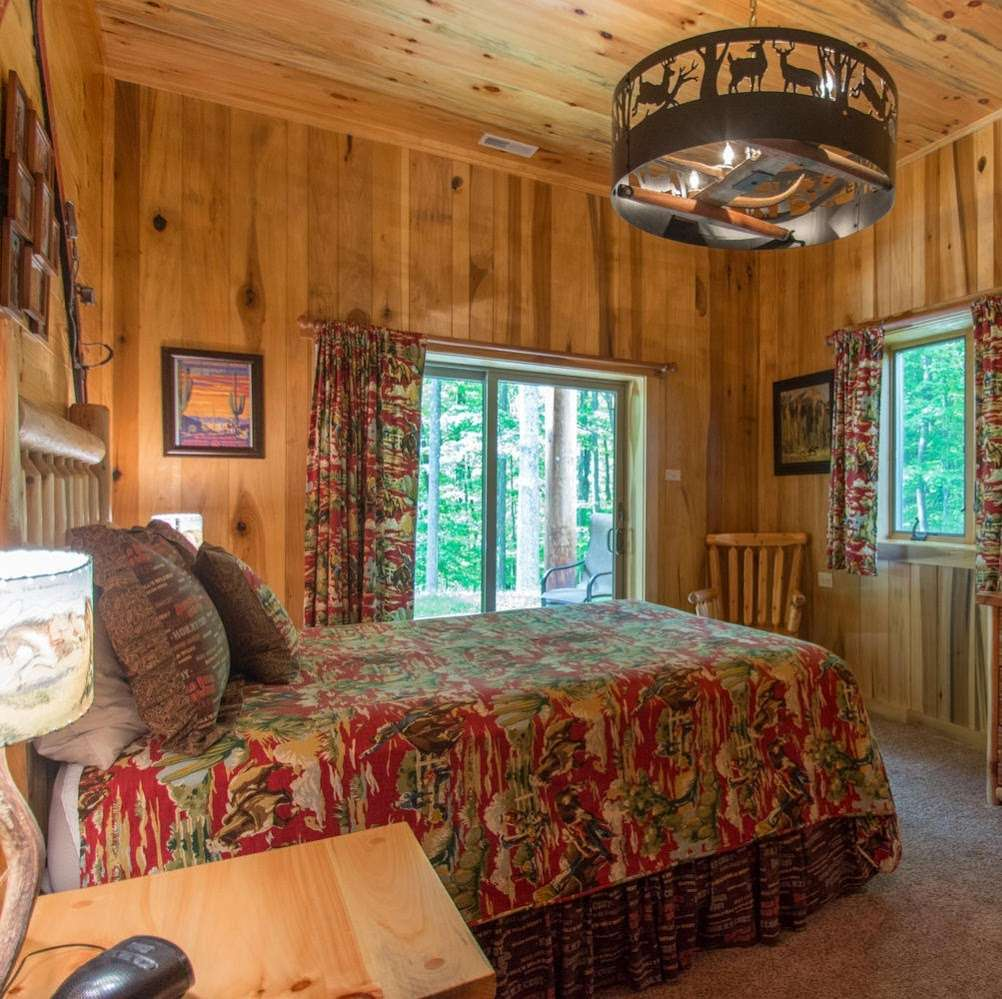Antler Log Cabins - real estate agency    Photo 2 of 10   Address: 8747 E State Rd 45, Unionville, IN 47468, USA   Phone: (812) 339-6547