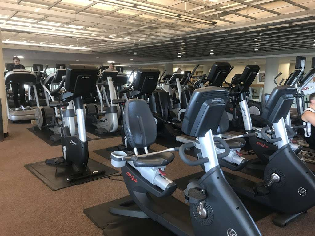 Advocate Good Shepherd Health and Fitness Center - gym  | Photo 4 of 10 | Address: 1301 S Barrington Rd, Barrington, IL 60010, USA | Phone: (847) 620-4571