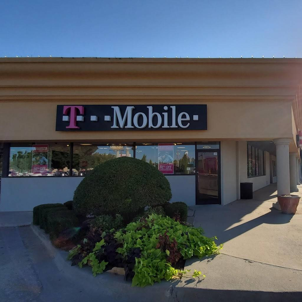 T-Mobile - electronics store  | Photo 2 of 3 | Address: 2132 W Britton Rd, The Village, OK 73120, USA | Phone: (405) 767-9845