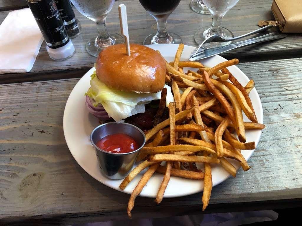 Millies Restaurant & Catering - restaurant  | Photo 4 of 10 | Address: 3218 S Atlantic Ave, Daytona Beach Shores, FL 32118, USA | Phone: (386) 275-1492