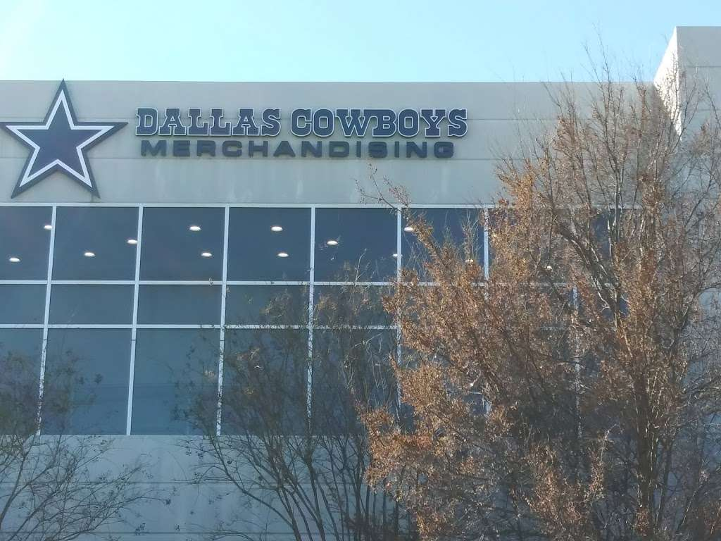 Dallas Cowboys - clothing store  | Photo 4 of 10 | Address: 2500 Regent Blvd #200, Irving, TX 75261, USA | Phone: (972) 785-4240