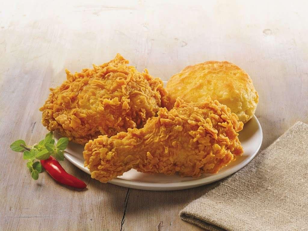 Popeyes Louisiana Kitchen - restaurant  | Photo 1 of 10 | Address: 2701 W 95th St, Evergreen Park, IL 60805, USA | Phone: (708) 424-9555