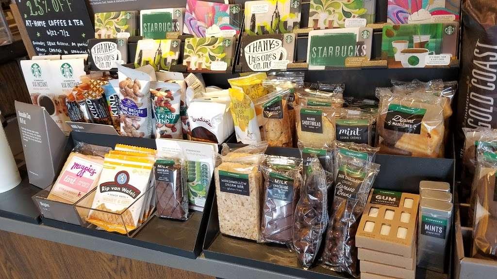 Starbucks - cafe  | Photo 10 of 10 | Address: 1336 Peninsula Blvd, Hewlett, NY 11557, USA | Phone: (516) 295-3330
