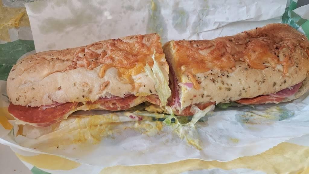 Subway - meal takeaway  | Photo 1 of 3 | Address: 22350 Ecorse Rd, Taylor, MI 48180, USA | Phone: (313) 295-2400