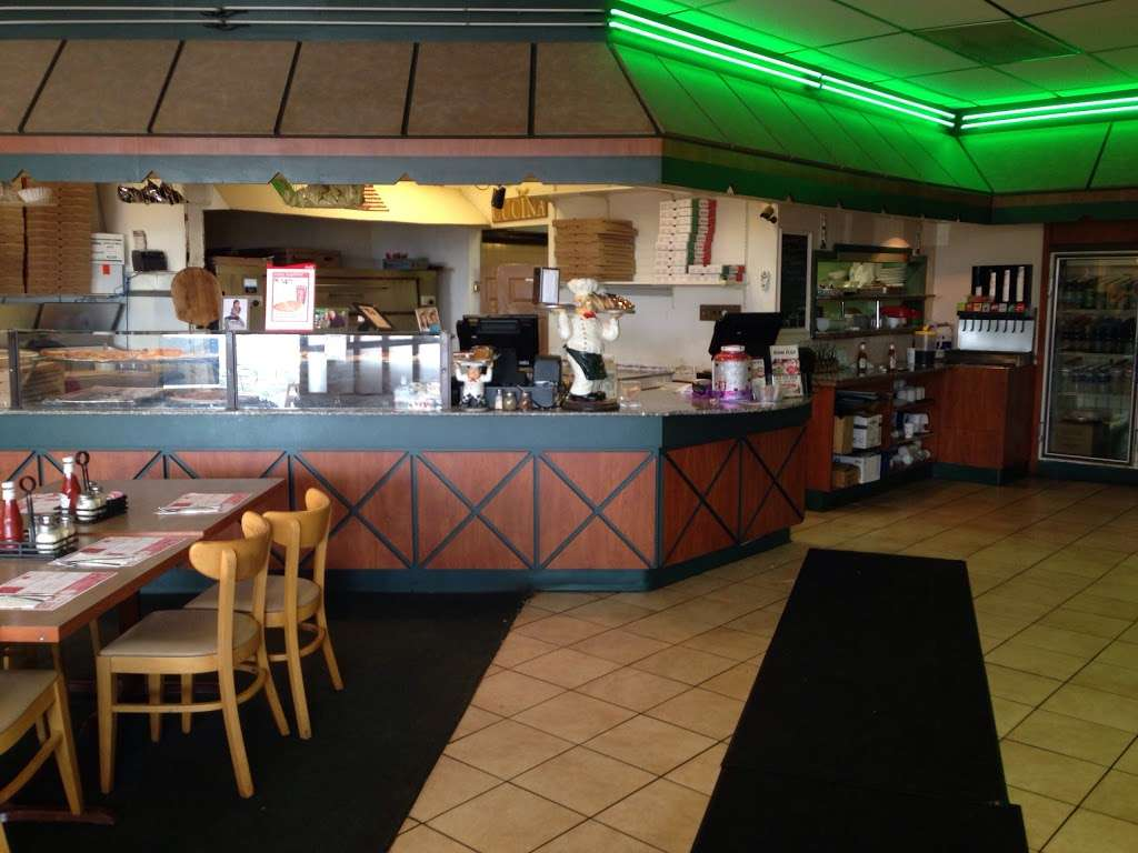 Nonna Rosa Pizzeria - meal delivery  | Photo 3 of 9 | Address: 236 Egypt Rd, Norristown, PA 19403, USA | Phone: (610) 539-2000