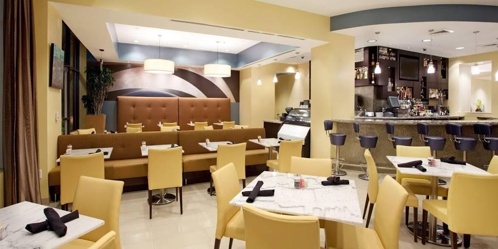 Hotel Indigo Baton Rouge Downtown - lodging  | Photo 9 of 10 | Address: 200 Convention St, Baton Rouge, LA 70801, USA | Phone: (225) 343-1515