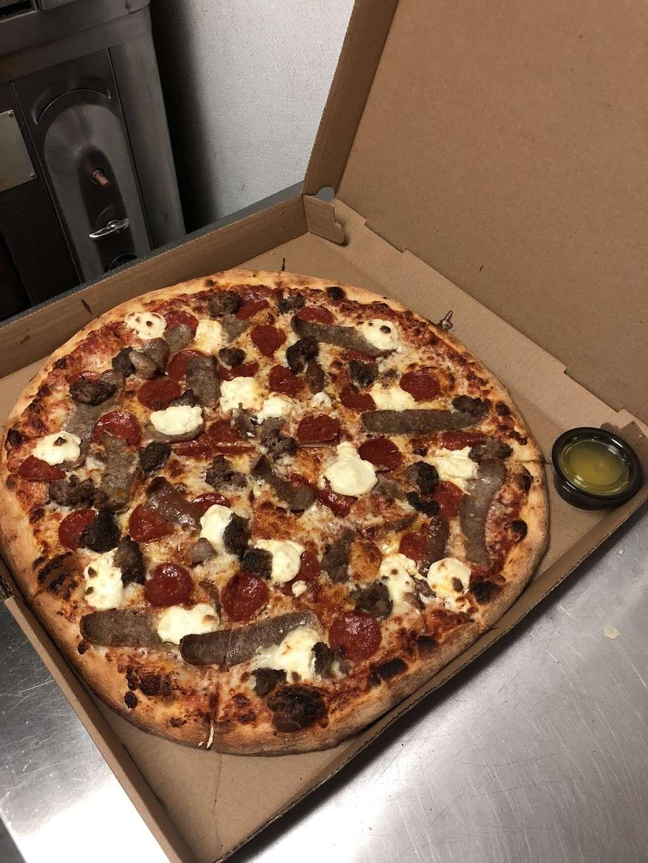 Faunts Pizza - restaurant  | Photo 3 of 10 | Address: 200 Washington St, Peabody, MA 01960, USA | Phone: (978) 531-0992