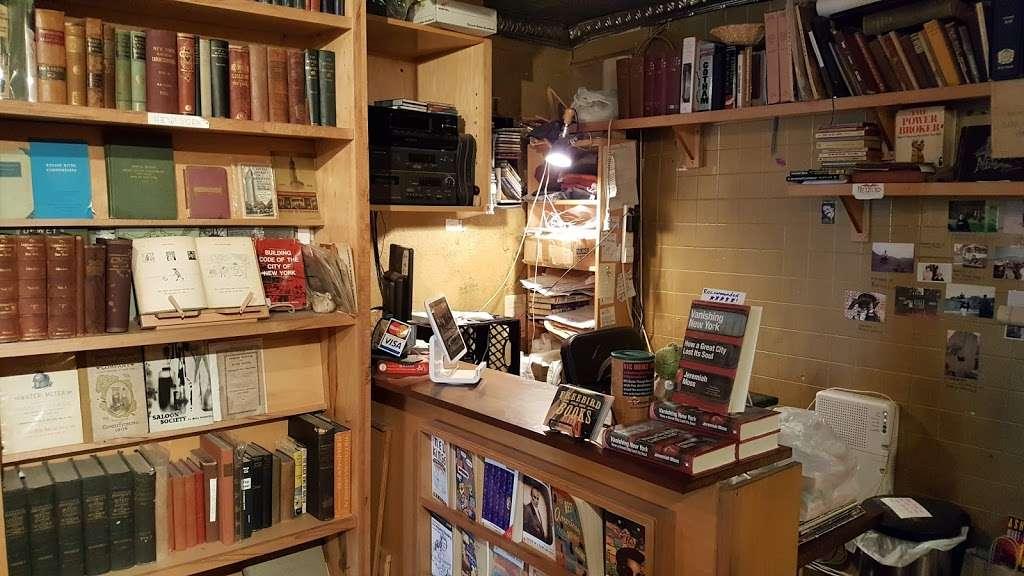 Freebird Books & Goods - book store  | Photo 4 of 5 | Address: 123 Columbia St, Brooklyn, NY 11231, USA | Phone: (718) 643-8484