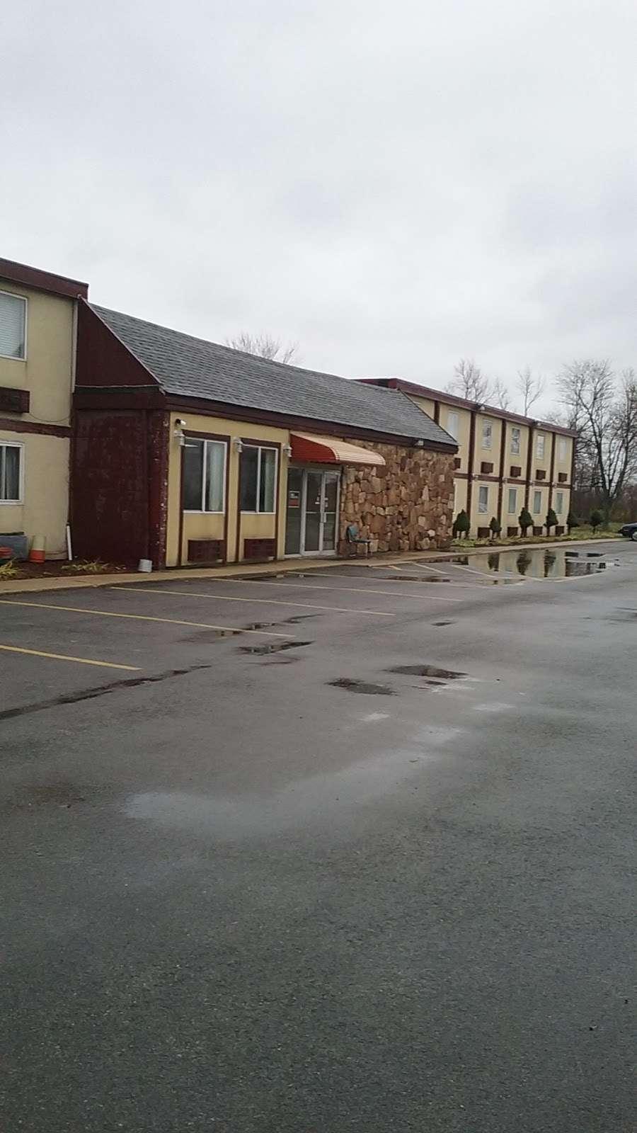Sun Motel - lodging  | Photo 9 of 10 | Address: 140 S Hickory St, Braidwood, IL 60408, USA | Phone: (815) 458-2812