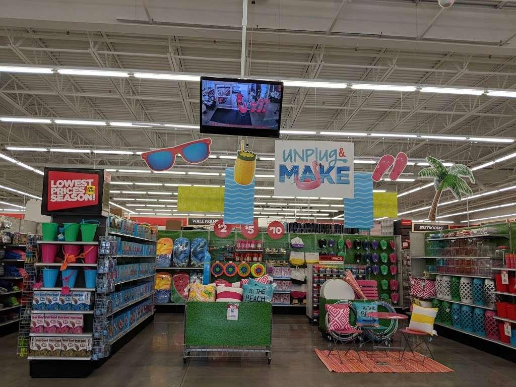 Michaels - store  | Photo 4 of 10 | Address: 135 Crooked Run Plaza #20, Front Royal, VA 22630, USA | Phone: (540) 635-6336