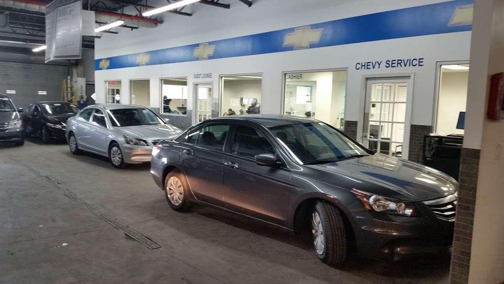 Major World Chevrolet Service - car repair  | Photo 4 of 10 | Address: 39-10 43rd St, Long Island City, NY 11101, USA | Phone: (718) 392-8605