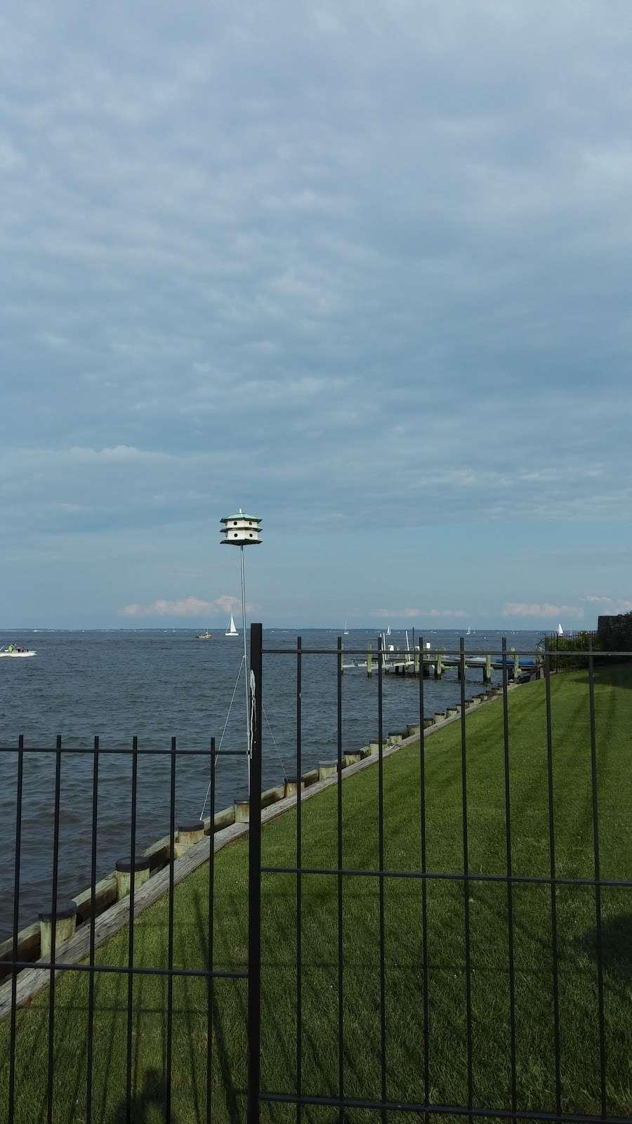 Horn Point Park - park  | Photo 10 of 10 | Address: Chesapeake Landing, Annapolis, MD 21403, USA