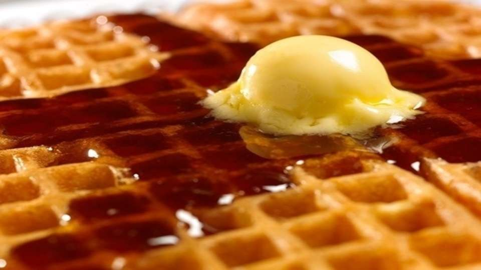 Waffle House - meal takeaway  | Photo 1 of 10 | Address: 7203 Garth Rd, Baytown, TX 77521, USA | Phone: (281) 421-2499
