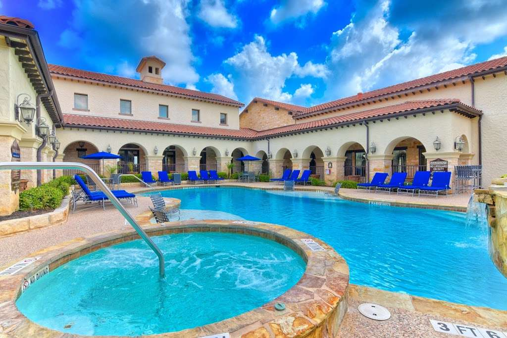 Mission Hills Apartments - real estate agency  | Photo 7 of 10 | Address: 1202 Evans Rd, San Antonio, TX 78258, USA | Phone: (210) 497-5353