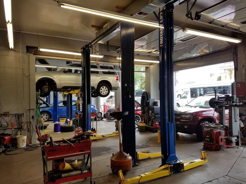 Dees JFK and Auto Service - car repair  | Photo 2 of 10 | Address: 3518, 19 Beach St, Bloomfield, NJ 07003, USA | Phone: (973) 748-8873