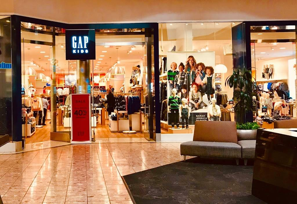 Gap - clothing store  | Photo 4 of 8 | Address: 1178 St Louis Galleria St, Richmond Heights, MO 63117, USA | Phone: (314) 727-5996