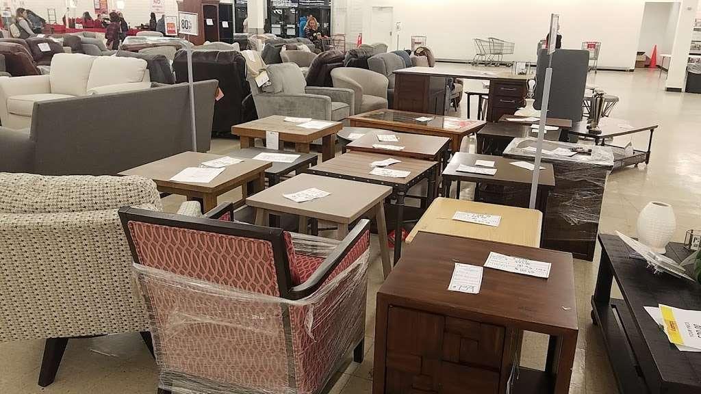 Treasure Hunt - Fontana - store  | Photo 3 of 10 | Address: 17099 Valley Blvd, Fontana, CA 92335, USA | Phone: (909) 829-1207