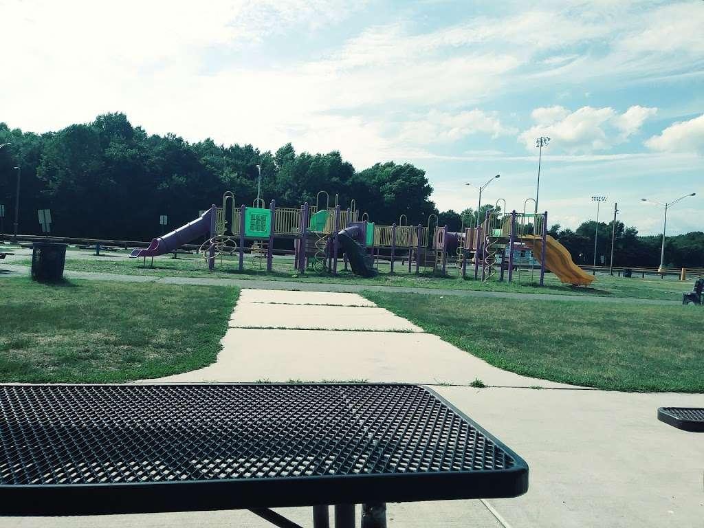 Carneys Point Recreational Park - park  | Photo 9 of 10 | Address: 229 Penns Grove Auburn Rd, Pedricktown, NJ 08067, USA | Phone: (609) 254-0000