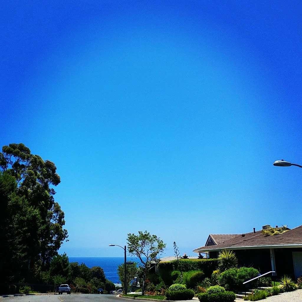 Roxbury Park - park    Photo 7 of 7   Address: 331 Cameo Shores Rd, Corona Del Mar, CA 92625, USA