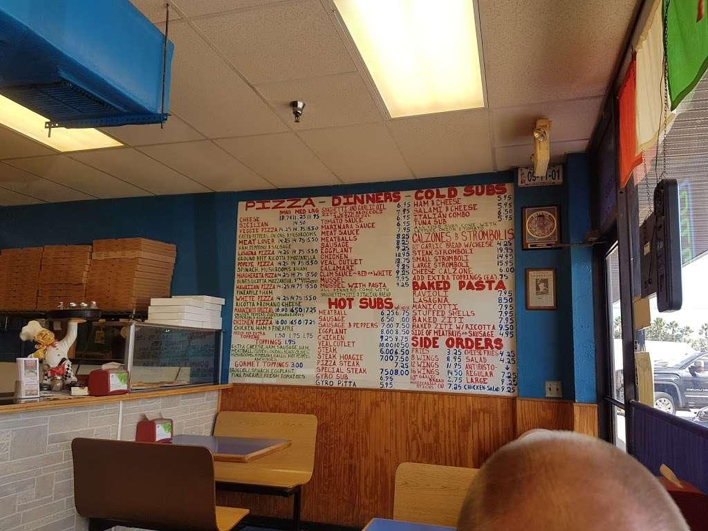 Manninos Pizza - restaurant  | Photo 7 of 10 | Address: 43362 US-27, Davenport, FL 33837, USA | Phone: (863) 424-4222