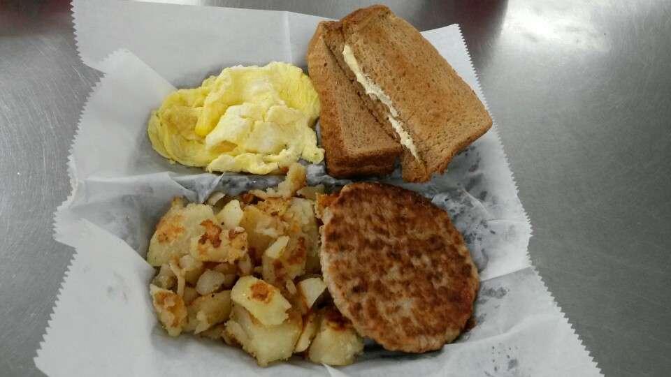 Chicken City - restaurant    Photo 3 of 6   Address: 7021 Liberty Rd, Gwynn Oak, MD 21207, USA   Phone: (410) 265-1669