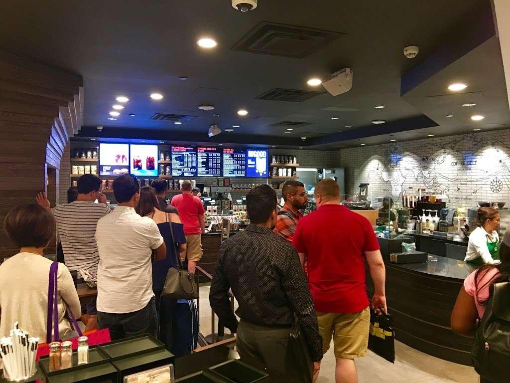 Starbucks - cafe  | Photo 7 of 10 | Address: 201 World Way, Los Angeles, CA 90045, USA | Phone: (310) 646-3472