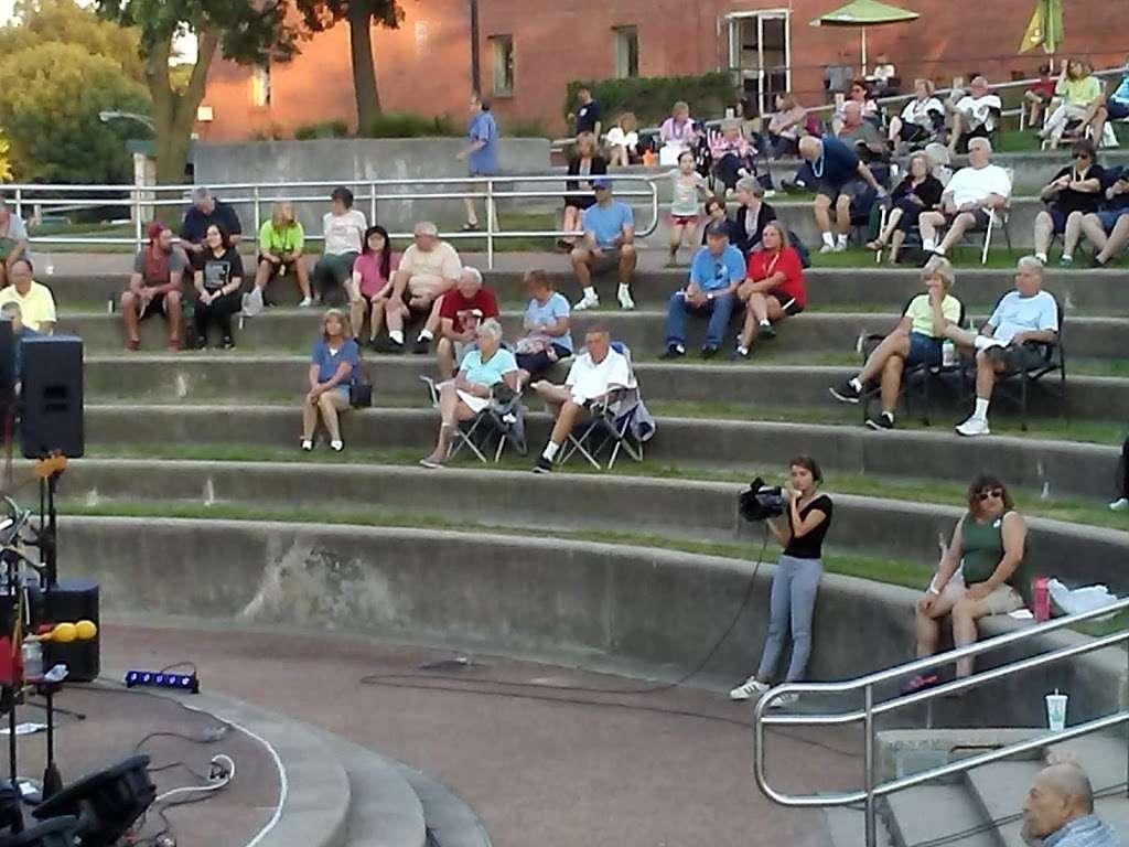 Memorial Park - park  | Photo 10 of 10 | Address: La Grange Park, IL 60526, USA