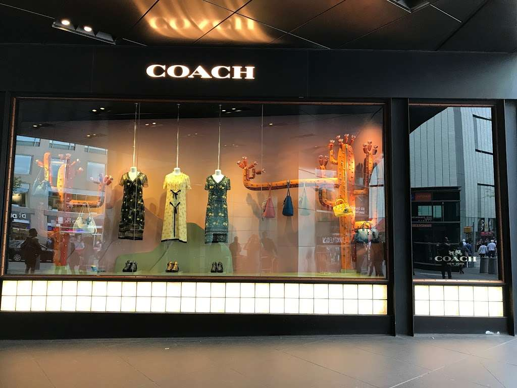 COACH TIME WARNER BUILDING (COLUMBUS CIRCLE) - store  | Photo 6 of 10 | Address: 10 Columbus Cir, New York, NY 10019, USA | Phone: (212) 581-4115