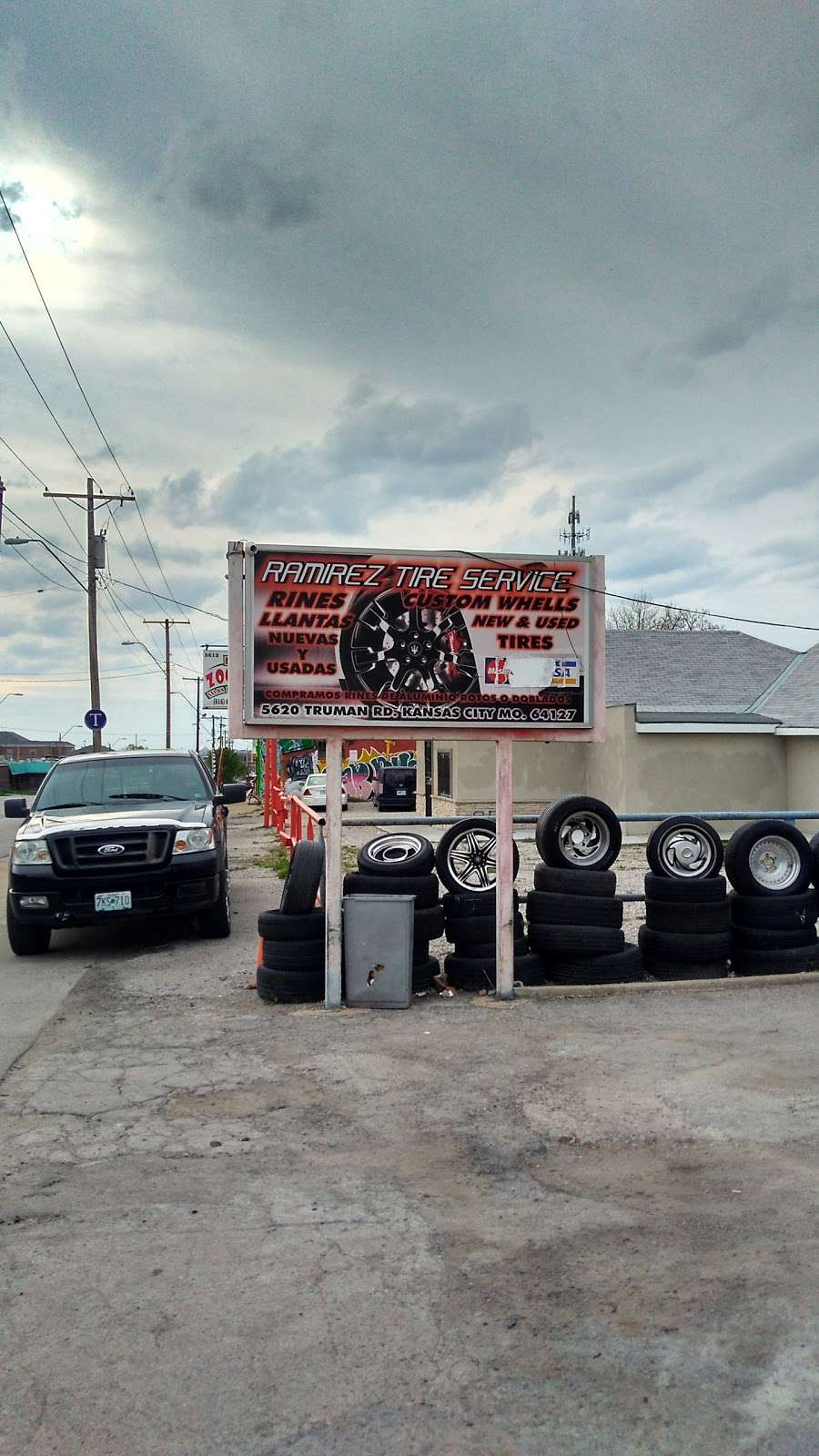 Auto Servivio Vulcano Ramirez Tire Service - car repair  | Photo 1 of 1 | Address: 1444 Lawndale Ave, Kansas City, MO 64127, USA