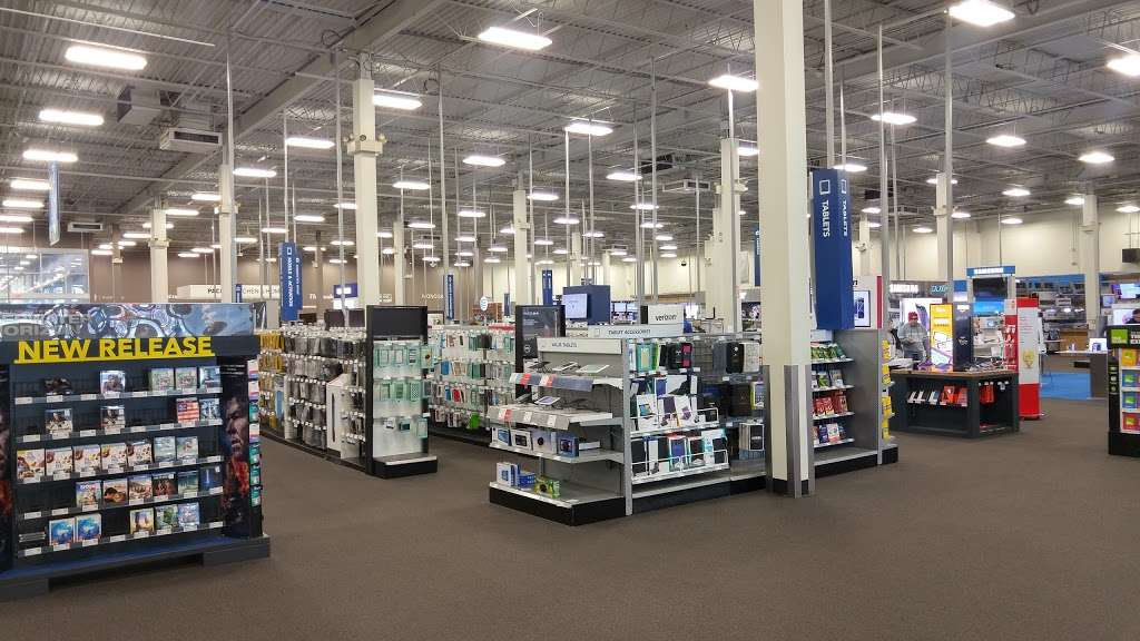 Best Buy - electronics store  | Photo 7 of 10 | Address: 925 Paterson Plank Rd, Secaucus, NJ 07094, USA | Phone: (201) 325-2277