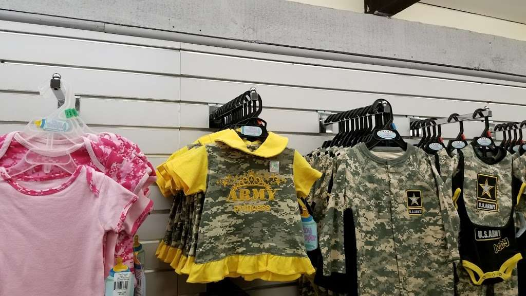 Army & Air Force Exchange Services - clothing store    Photo 4 of 10   Address: 4340 Yorktown Ave Bldg.27, Los Alamitos, CA 90720, USA   Phone: (562) 430-1076