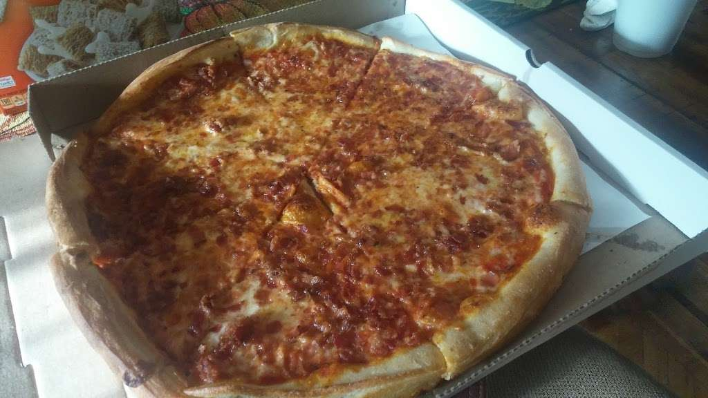 Hi-Class Pizza - restaurant  | Photo 10 of 10 | Address: 246-11 Jericho Turnpike, Queens, NY 11426, USA | Phone: (718) 347-1696
