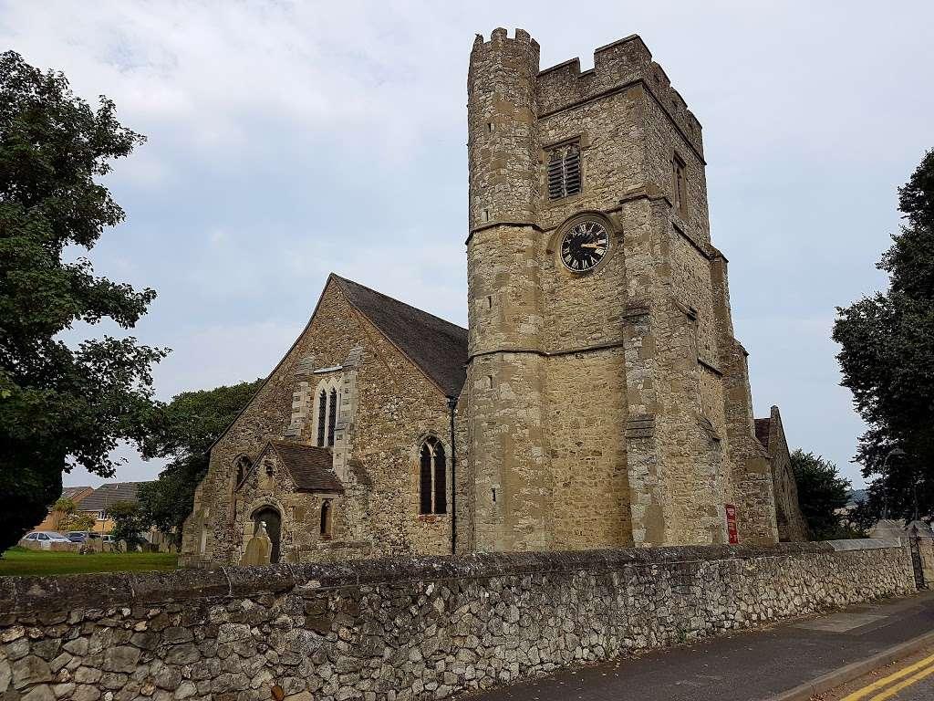 All Saints Church - church  | Photo 3 of 5 | Address: 48 Mill St, Snodland ME6 5AT, UK | Phone: 01634 240232