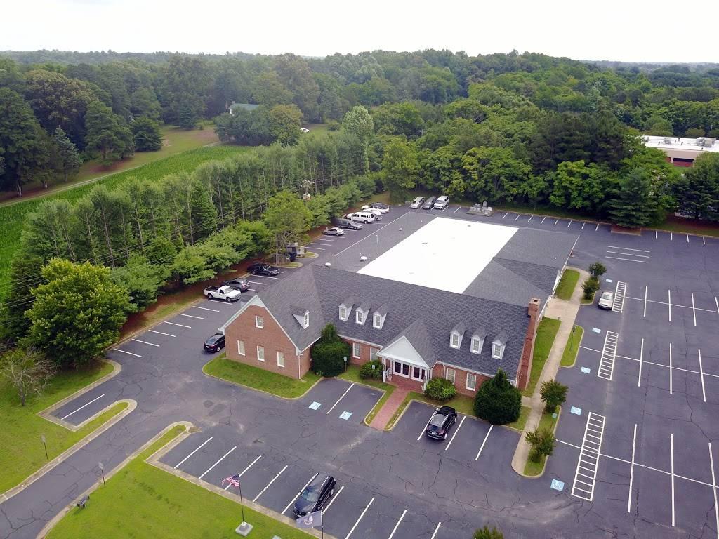 Bennett Funeral Home - funeral home  | Photo 1 of 1 | Address: 8014 Lee Davis Rd, Mechanicsville, VA 23111, USA | Phone: (804) 746-8665