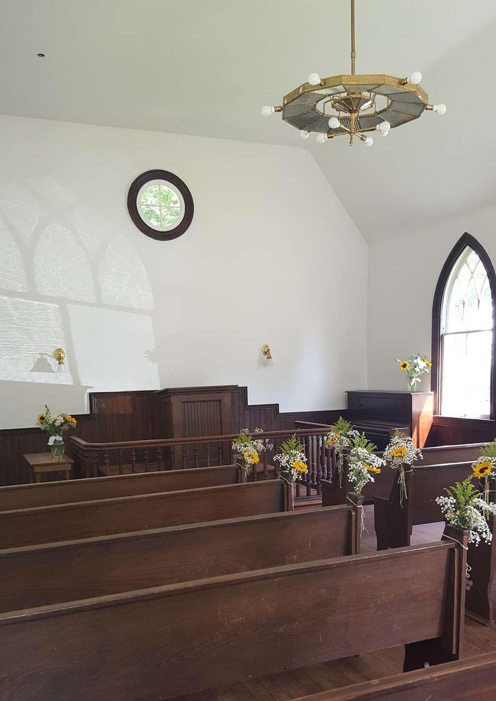 Dorsey Chapel - church  | Photo 5 of 10 | Address: 10704 Brookland Rd, Glenn Dale, MD 20769, USA | Phone: (301) 352-5544