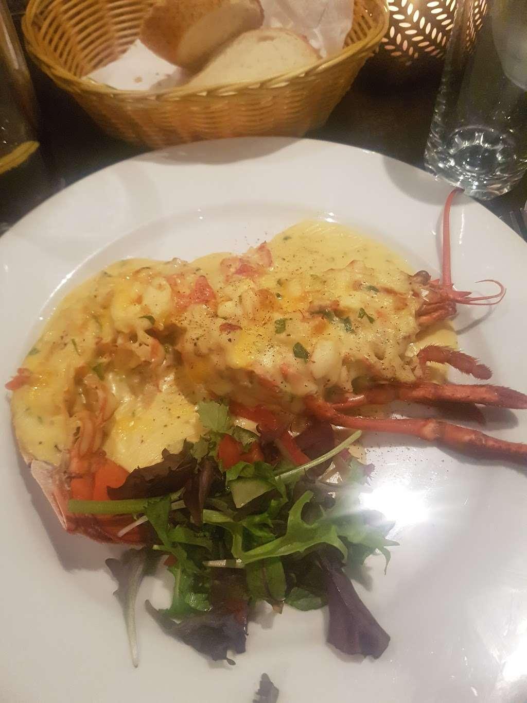 Riennas Restaurant - restaurant  | Photo 8 of 10 | Address: 210-176, A124, Hornchurch RM12 6QP, UK | Phone: 01708 469463