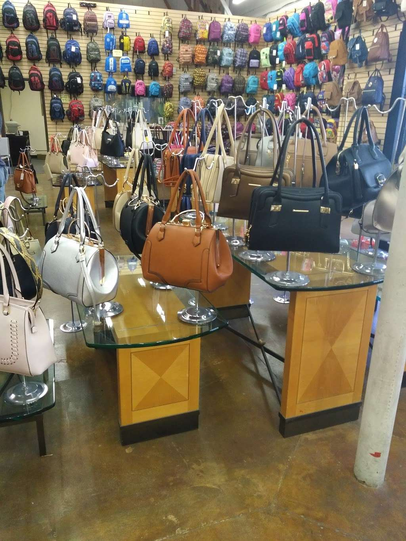 Forever Deals - clothing store  | Photo 6 of 10 | Address: 1141 Bay Blvd, Chula Vista, CA 91911, USA | Phone: (619) 575-4555