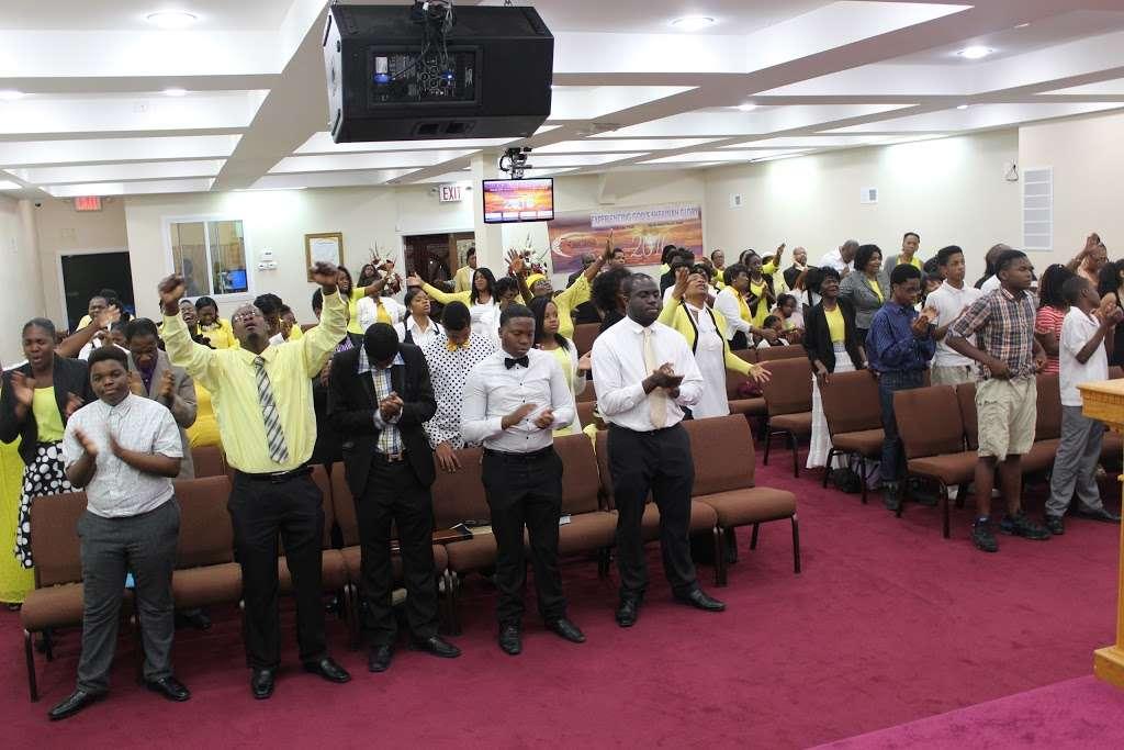 Full Gospel Tabernacle of Faith Church Inc - church  | Photo 3 of 10 | Address: 1212 E New York Ave, Brooklyn, NY 11212, USA | Phone: (718) 773-3359
