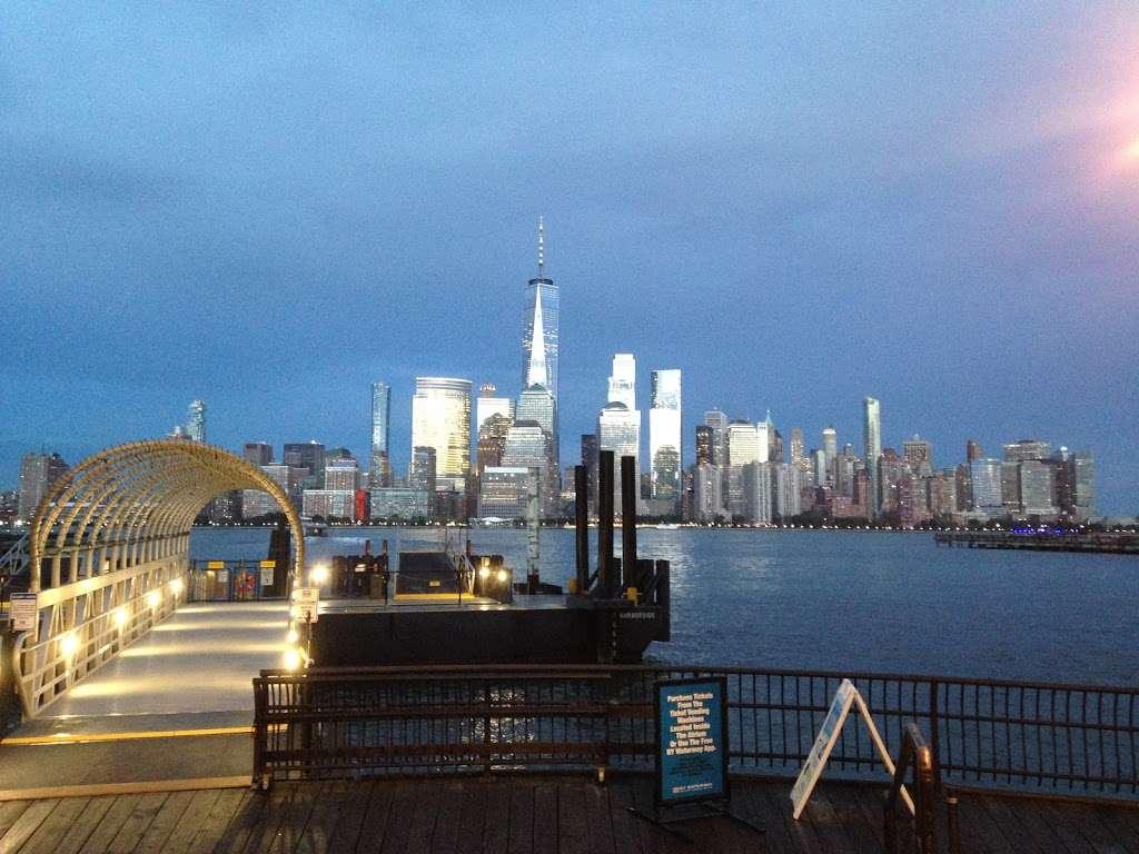 Harborside - transit station  | Photo 7 of 10 | Address: Jersey City, NJ 07302, USA